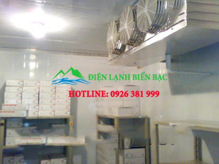 Phòng hóa chất trong kho lạnh