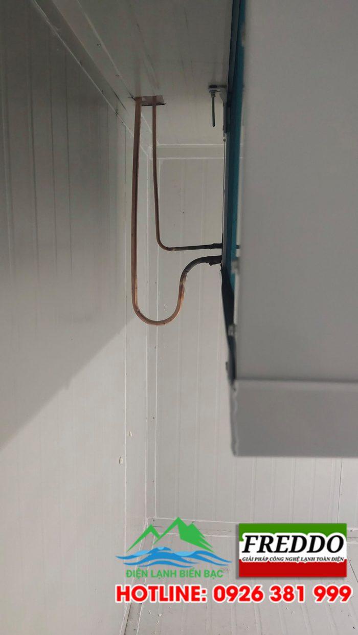 Đi đường ống đồng và đấu nối đường ống từ dàn nóng vào dàn lạnh