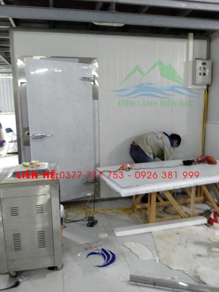 thi công và lắp đặt kho lạnh bảo quản rác thái y tế - lắp ghép vỏ kho lạnh và cửa kho lạnh